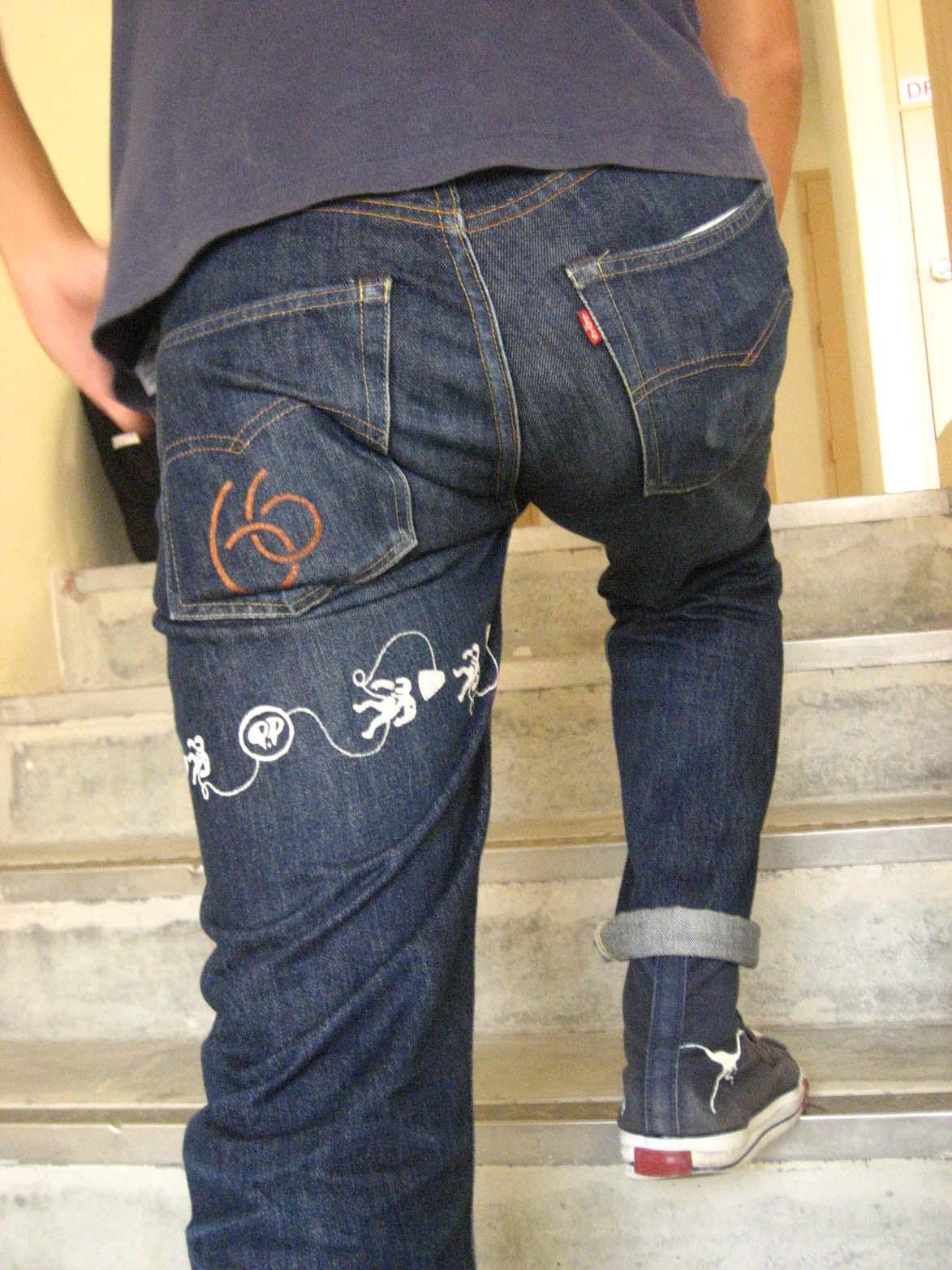 Levi strides into cheap jeans market