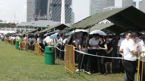 queue_padang_1