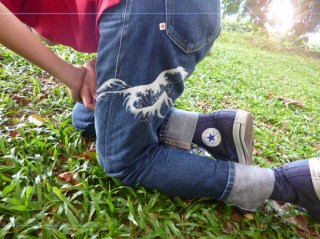 Uniqlo Great Wave denim jeans 1