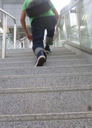 eternal-888-denim-jeans-perry-on-long-step-stair-climb-5